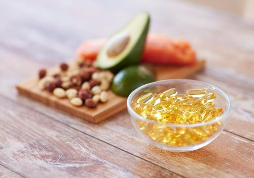 Gorduras boas e cápsulas de ômega 3