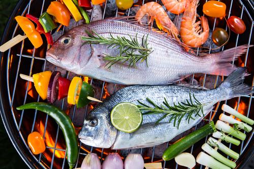 Peixes grelhados